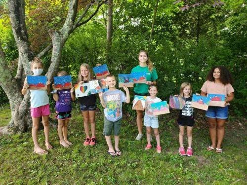 Cupcakes & Canvas: Crab Paintings!