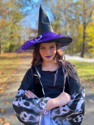 Isabella Laban as Witch